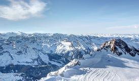 """Frihet för glaciärâ€en """"på 3.000 metrar, skida semesterort Arkivbild"""