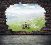 frihet till fönstret Fotografering för Bildbyråer