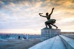 Frihetstaty på den Gellert kullen i Budapest, Ungern Arkivbild
