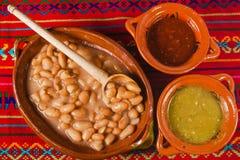 Frijoles, sopa de la comida mexicana de las habas, Ciudad de México fotografía de archivo