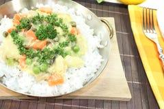 Frikassee da galinha com arroz e cogumelos Imagem de Stock Royalty Free