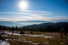 Frio da montanha enevoada Fotografia de Stock Royalty Free