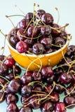 Frisch ausgewähltes Kirsche-` s vom Baum Lizenzfreie Stockfotos