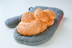 Frisch gebackene braune Borte des indischen Sesams stockbild
