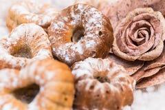 Frisch gebackene kleine Kuchen Lizenzfreies Stockbild