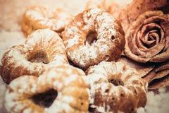 Frisch gebackene kleine Kuchen Lizenzfreie Stockfotografie