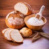 Frisch gebackenes Brot Stockbilder