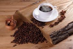 Frisch gebrautes coffe lizenzfreie stockfotografie