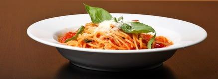 Frisch gekochte Platte von spaghe stockfotografie