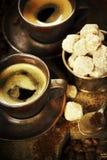 Frisch zubereiteter italienischer Espresso Stockbilder