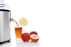Frische Äpfel Juicing. stockbild