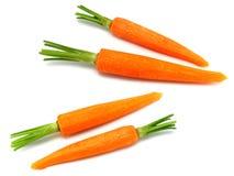 Frische abgezogene Karotten getrennt Stockfoto