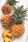 Frische Ananas lizenzfreies stockfoto