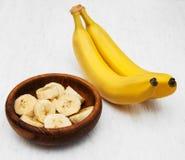 Frische Banane in einer Schüssel Stockfotografie
