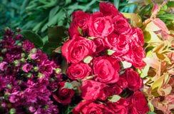 Frische Blumen auf Shop im Blumen-Markt in Bagan Lizenzfreies Stockfoto