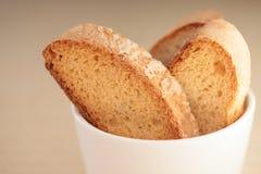 Frische braune Biskuite stockfoto
