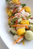 Frische Fisch-Salat mit Mangoabschluß herauf Schuss Stockbilder