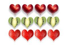 Frische Früchte in Form des Herzens in der Reihe Stockfotos