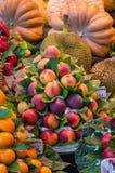 Frische Früchte, Marktstall, Lebensmittelhintergrund lizenzfreies stockbild