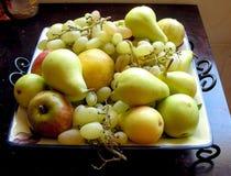Frische Früchte und Trauben Lizenzfreies Stockfoto