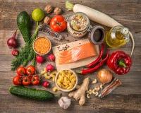 Frische Früchte und Veggies, Lachse, topshot Lizenzfreie Stockfotos