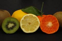 Frische Früchte und Vitamine lizenzfreie stockfotografie
