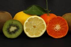 Frische Früchte und Vitamine stockfotografie