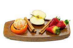 Frische Früchte und Zimt Stockbild