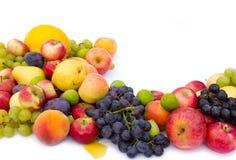 Frische Frucht auf weißem Hintergrund Lizenzfreie Stockfotografie