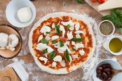 Frische gemachte Hauptpizza Stockfotografie