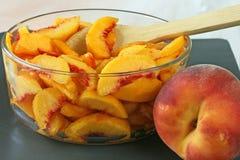 Frische geschnittene Pfirsiche Lizenzfreies Stockfoto