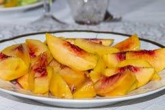 Frische geschnittene Pfirsiche Stockbild
