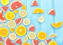 Frische geschnittene Zitrusfrucht der Mischung Stockfotografie