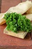 Frische grüne organische Petersilie Stockfoto