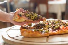 Frische italienische Pizza Stockfotografie