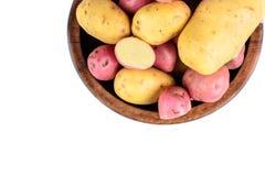 Frische Kartoffeln lokalisiert Stockbilder
