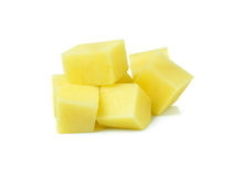Frische Kartoffeln mit Schnitt oder gewürfelt Lizenzfreie Stockfotografie