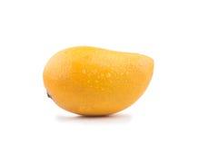 Frische Mangofrucht auf weißem Hintergrund stockbilder