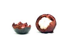 Frische Mangostanfrucht auf weißem Hintergrund Die Königin von Frui Stockfoto