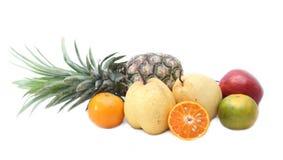 Frische Mischfrucht auf whith Hintergrund Stockbild
