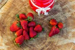 Frische natürliche Erdbeere Lizenzfreie Stockfotografie