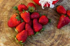 Frische natürliche Erdbeere Lizenzfreies Stockfoto