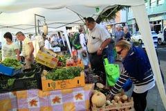Frische Obst und Gemüse am Markt Stockfotografie