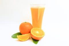 Orange Frucht auf weißem Hintergrund Stockfotos