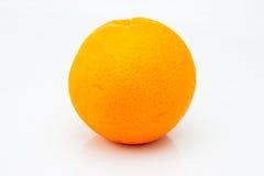 Frische Orange getrennt auf weißem Hintergrund Stockfotografie