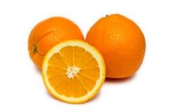 Frische Orangen auf Weiß Lizenzfreie Stockfotografie