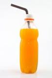 Frische Orangensaftflasche stockbild