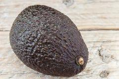 Frische organische Avocado Haas stockfotos