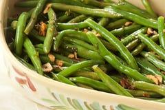 Frische organische gekochte grüne Bohnen Stockbilder