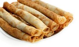 Frische Pfannkuchen auf Platte Stockfotos